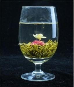 Reklamní kvetoucí čaje květ jasmínu a laskavcovky