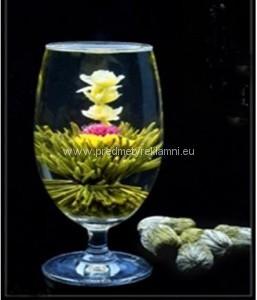 Reklamní kvetoucí čaje laskavcovka, lilie a měsíček