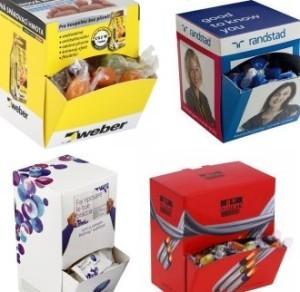 papírové krabičky na sladkosti s potiskem